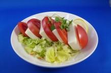 トマトと豆腐のサラダの写真